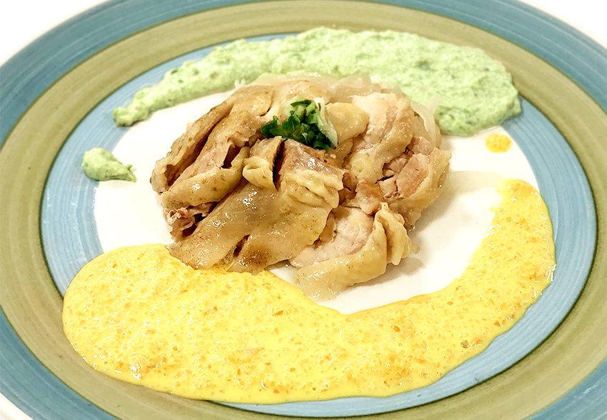 色とりどり! 2色のソースで食べる ジューシー蒸し鶏のアイキャッチ