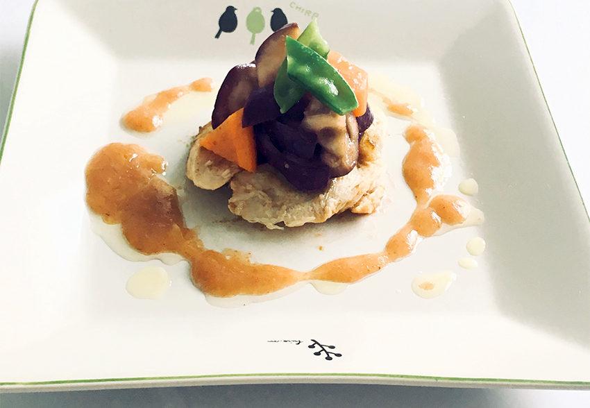 さっぱりおいしく栄養も摂取! 鶏ささみとナスの梅ソースがけのアイキャッチ