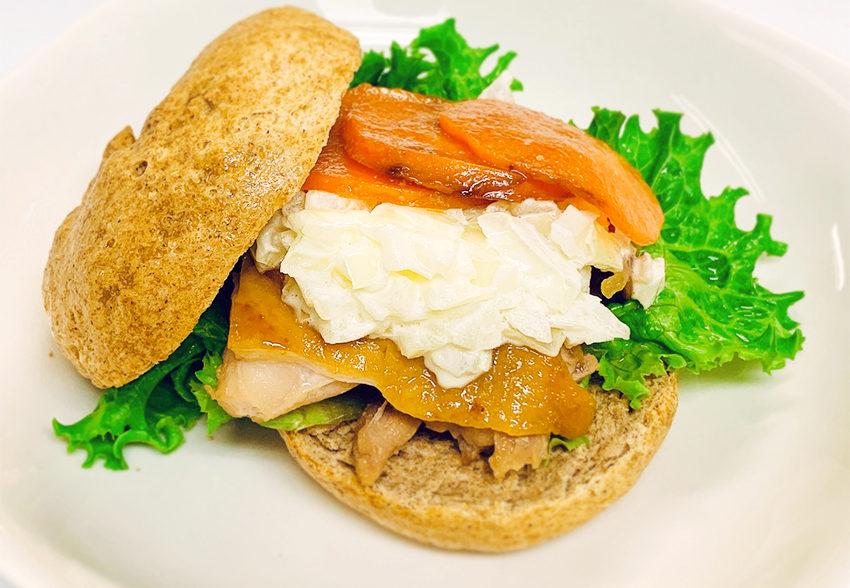 食生活に取り入れて生活習慣病の予防にも「全粒粉ベーグルのハチミツ鶏サンド」のアイキャッチ