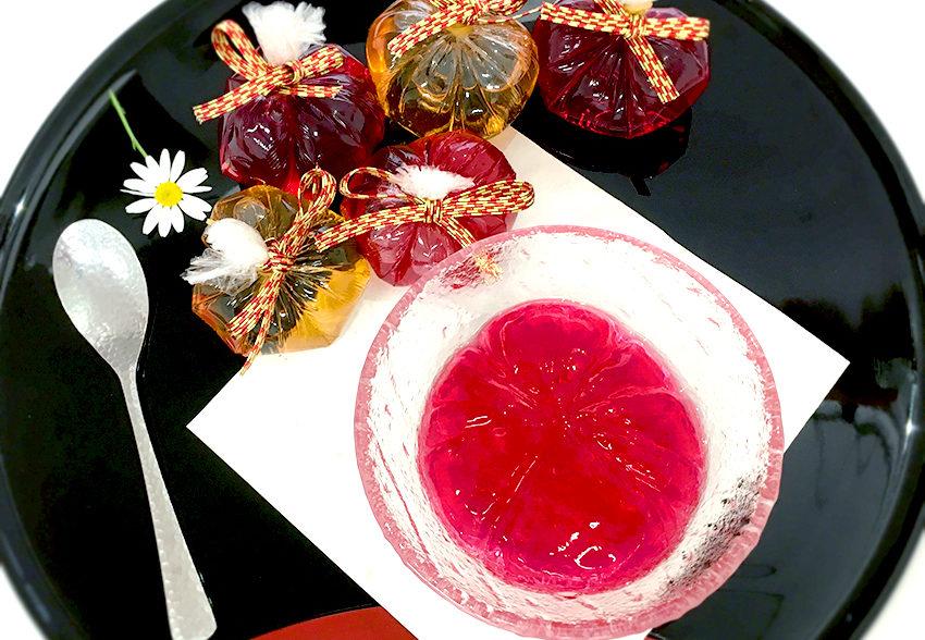 暑い時期に食べやすい「シソと梅酒のさっぱり茶巾しぼりゼリー」のアイキャッチ